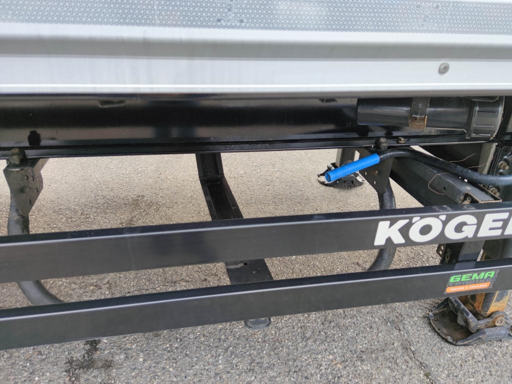 Kögel SKH24 S - 3Assige KastenTrailer - Dhollandia OndervouwKlep 2000kg - Schijfremmen - Liftas - 06/2022 APK