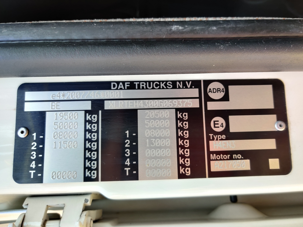 DAF FT XF460 4x2 SuperSpaceCab Euro6 - Double fuel Tanks - PTO - TOP!