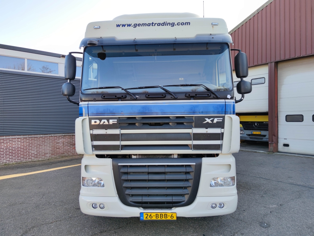 DAF FTG XF105-460 Spacecab 6x2/4 Euro 5 - StandAirco - 10/2021 APK