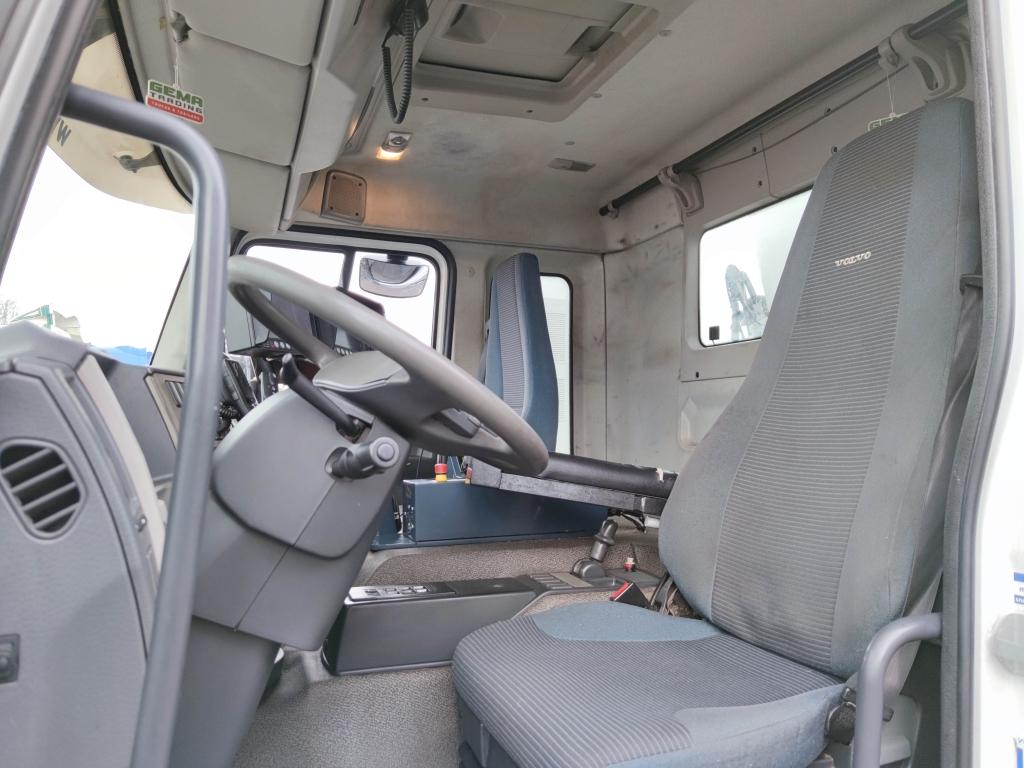 Volvo FE280 6x2/4 Dagcabine Euro 5 - Schorling zijlader / kipper - 05/2021 APK