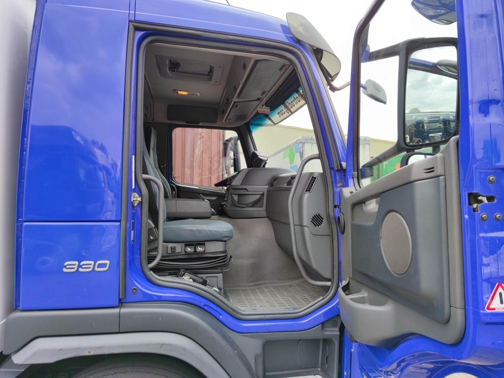 Volvo FM 330 4x2 Euro 5 - Koel/vriesbak 7.40mtr - Carrier Supra 850 - D'hollandia Laadklep 2000kg