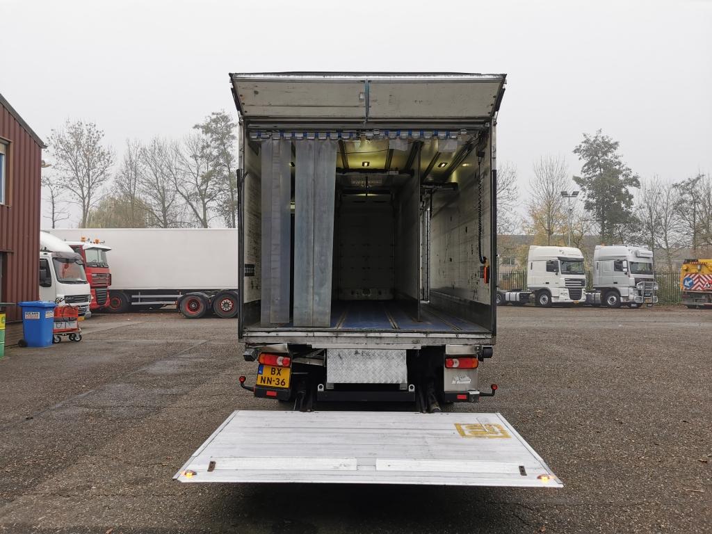 DAF CF65-220 4x2 Euro 5 - Koel/vriesbak 6,35m - Carrier Supra 950mt - 2000 kg laadklep 02/2021 APK