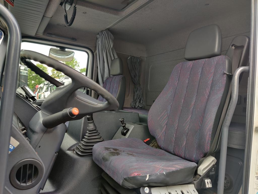 Mercedes-Benz ATEGO 1823L 4x2 Euro2 - 492000KM !!! - Dhollandia - tyres 85% 7/2021APK