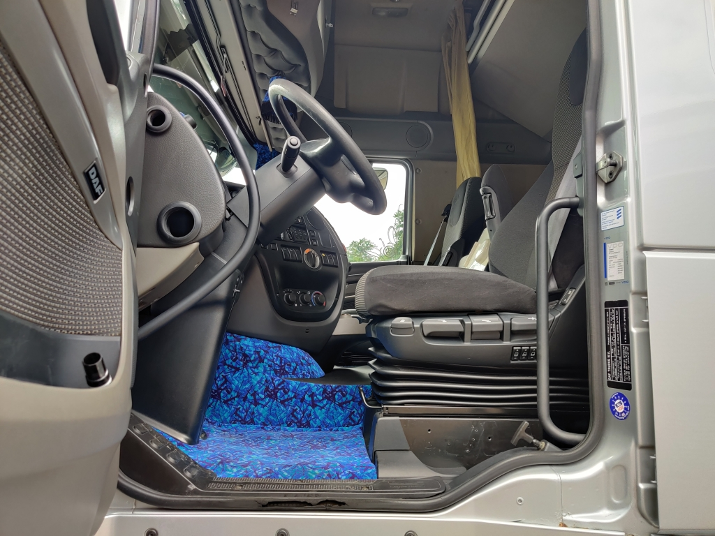 DAF FTG XF105-460 6x2/4 SuperSpaceCab Euro5 - SPECIAL - TOP-Condition 04/2021 APK