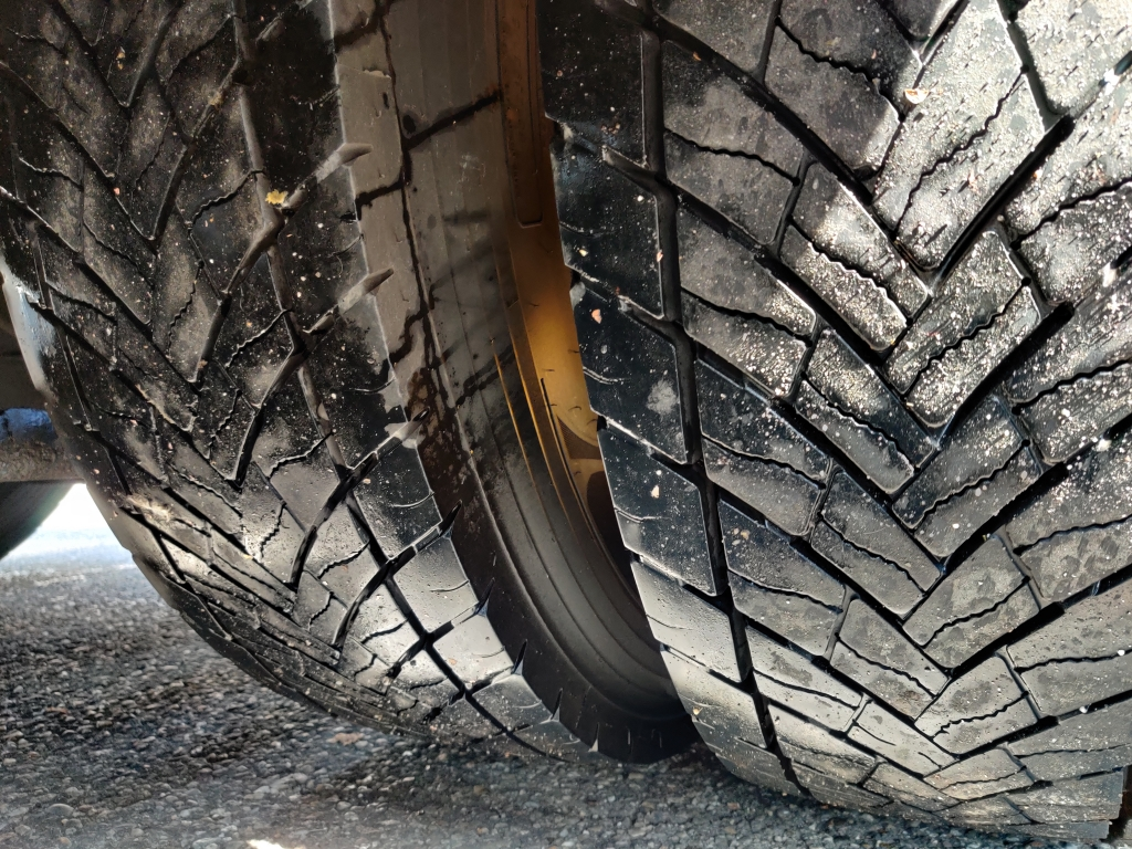 DAF FTG XF105-510 6x2/4 SuperSpaceCab Euro5 - Manual - Goodyear 70% - BEAUTY!