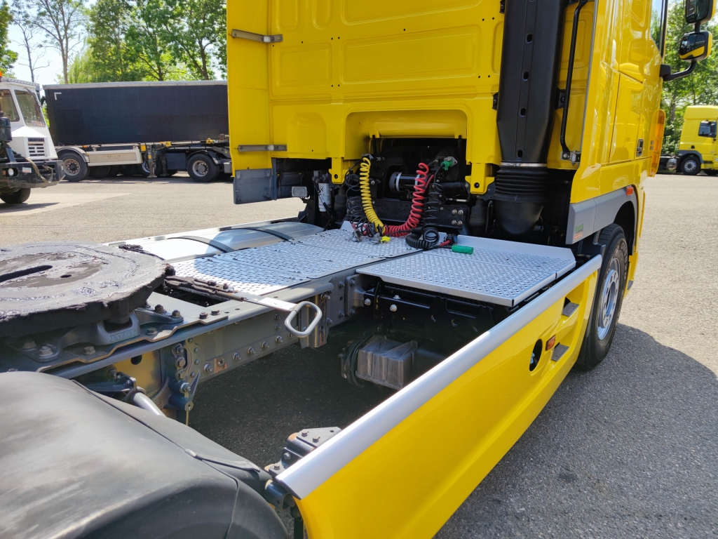 DAF FT XF105.410 Superspacecab 4x2 Euro 5 - Retarder - Standairconditioning - side skirts - banden 70% - 09/2021 APK