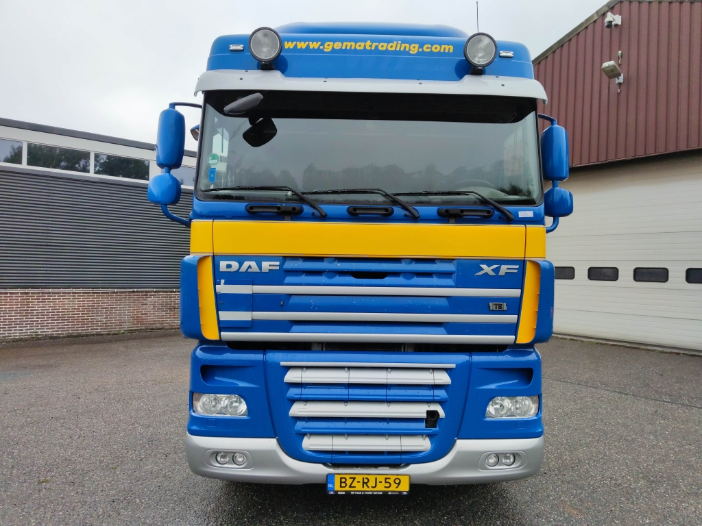 DAF FT XF105.410 Spacecab 4x2 Euro5 - ADR - Manual ZF16 - NEW GEARBOX - 02/2022 APK