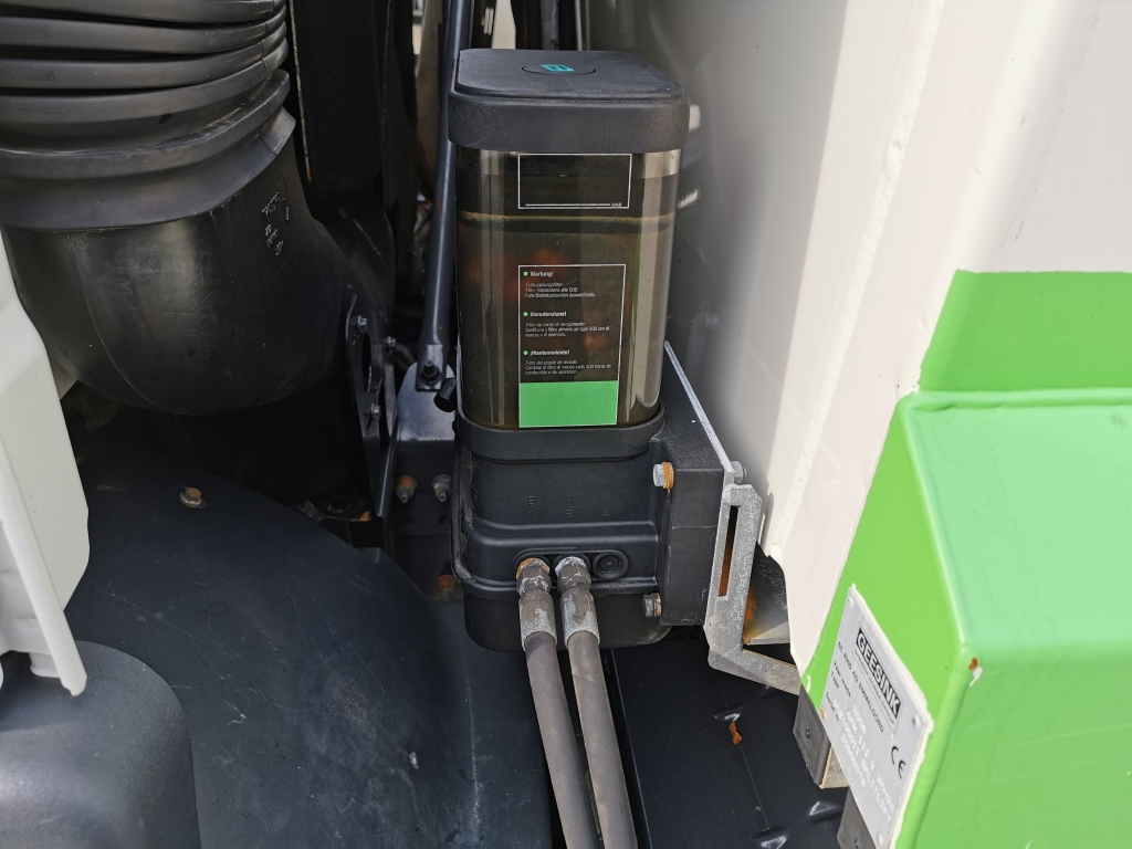 Volvo FM9-300 6X2/4 Dagcabine Euro5 - Geesink GPMIII 20H25 GCB1000II Splitlift - 04/2020 APK